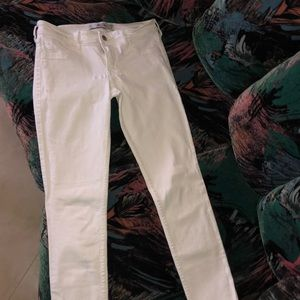 White hollister jeans 3R